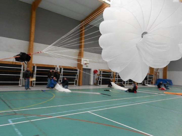 parachute secours